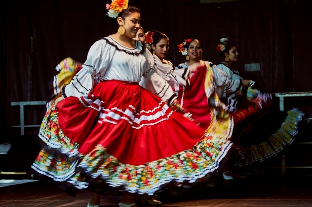 1_Mexican_Dance_Group